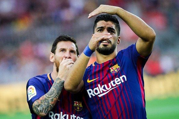 Barca đăng quang, Suarez gửi lời nhắn đến Real