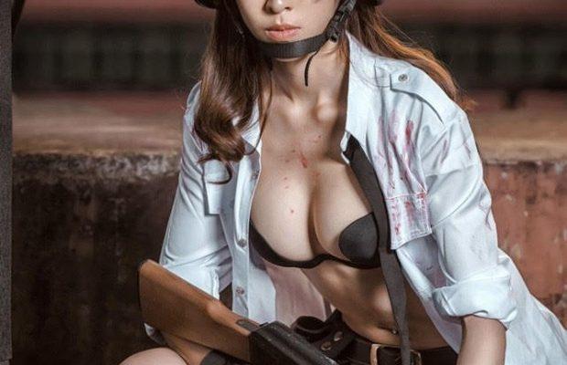 """Nóng mắt với bộ ảnh cosplay nữ game thủ PUBG siêu """"nghèo nàn"""""""